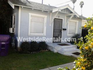 1079 Coronado Ave, Long Beach, CA 90804