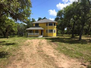 141 County Rd #157A, Hallettsville, TX 77964