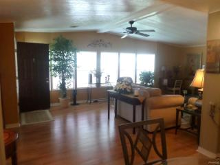 5506 Yarmouth Ln, Sarasota, FL 34233