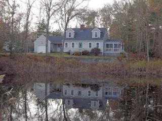 46 Monument Neck Rd, Bourne, MA 02532