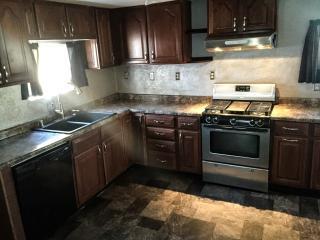448 W 7th Ave, Oshkosh, WI 54902
