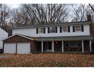 32619 Groveland Dr, Avon Lake, OH 44012