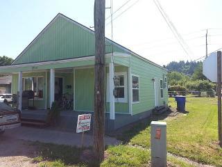 1225 N 2nd Ave #B, Kelso, WA 98626