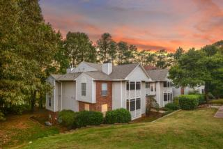 1025 Avent Hl, Raleigh, NC 27606