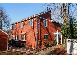 139 Lake Ave, West Haven, CT 06516