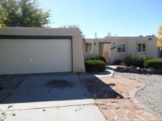 7108 Derickson Avenue NE, Albuquerque NM