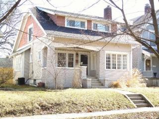 430 Gladstone Dr SE, East Grand Rapids, MI 49506