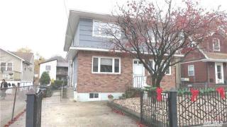 89 Firwood Rd, Port Washington, NY 11050
