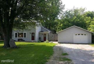 905 Thayer St, Chesaning, MI 48616