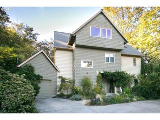 3452 NW Vaughn St, Portland, OR 97210