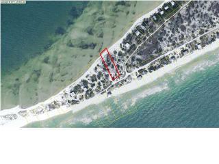 951 Gulf Shore Dr, Carrabelle, FL 32322