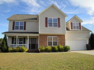 305 Trappers Rd, Hubert, NC 28539
