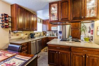 1711 Grismer Ave #16, Burbank, CA 91504