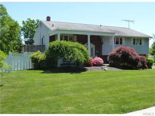114 Cottage Ln, Blauvelt, NY 10913