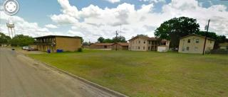 261 Sunrise Ave, Giddings, TX 78942