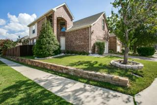 8206 Persimmon St, Irving, TX 75063