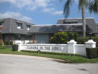 423 Pine Tree Ct #25, Atlantis, FL 33462