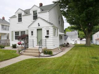 2462 South 65th Street, West Allis WI