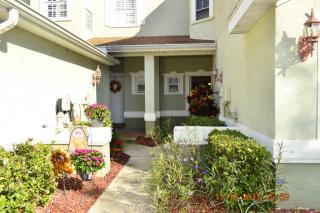 645 Spring Lake Cir, Tarpon Springs, FL 34688