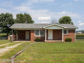 210 Johnson Ave, Huntland, TN 37345