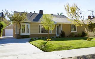 11676 Weddington St, Valley Village, CA 91601