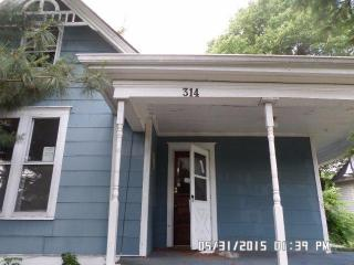314 4th St, Richmond, KY 40475