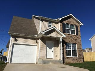 182 Howard Woody Dr, La Vergne, TN 37086