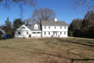 58 S Gate Ln, Southport, CT 06890