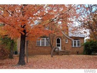 630 E Pine St, Bourbon, MO 65441