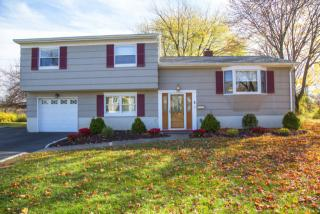145 Summit Ct, Westfield, NJ 07090
