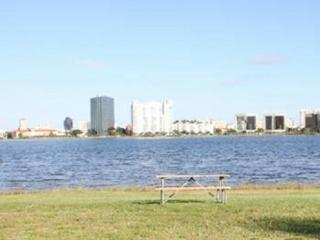 728 Executive Center Dr #11, West Palm Beach, FL 33401