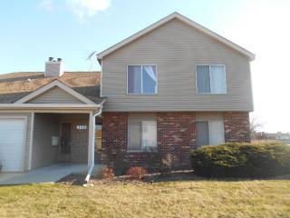 7070 Newport Drive #102, Woodridge IL