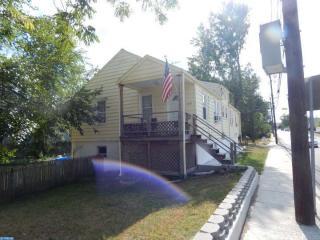 301 Saunders Ave, Bellmawr, NJ 08031