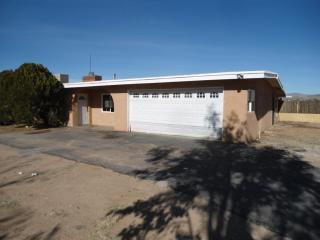 22626 Pahute Rd, Apple Valley, CA 92308