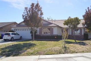 13759 Clear Valley Rd, Victorville, CA 92392