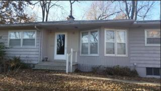 19 NW Lakeview Blvd, Lees Summit, MO 64063