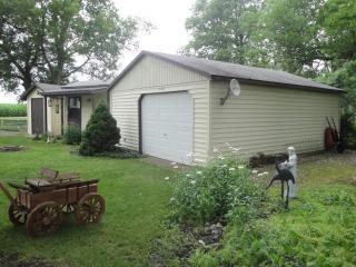 41420 Elm St, East Lynn, IL 60932