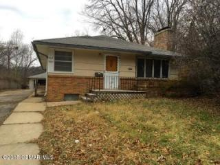 907 14th Ave SW, Rochester, MN 55902