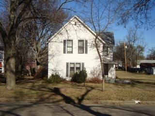 226 E Hazelwood Ave, Waterville, KS 66548