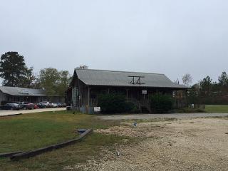136 Old Mill Ctr #3, Livingston, TX 77351