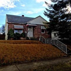 2410 Oakridge Road, Fort Wayne IN