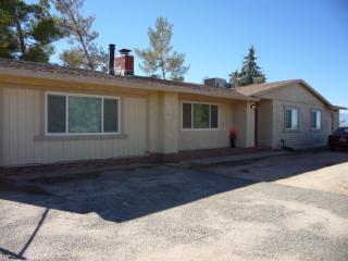 9960 Central Rd, Apple Valley, CA 92308