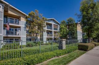 100 S Indian Hill Blvd, Claremont, CA 91711