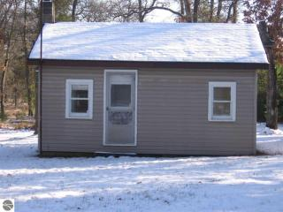5136 N Fairview Rd, West Branch, MI 48661