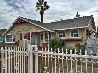8453 Webb Ave, Sun Valley, CA 91352