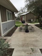 838 E Calvert Ave, Karnes City, TX 78118