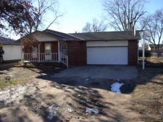 317 S Sunnyside Rd, Haysville, KS 67060