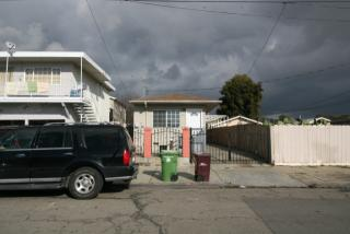 5918 Bromley Ave, Oakland, CA 94621