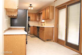 5607 E Lake Rd, Erie, PA 16511
