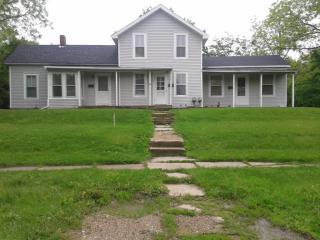 220 E Emerson St #2, Ithaca, MI 48847